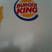 Foto tirada no(a) Burger King por Paulo R. em 1/12/2013