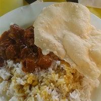 Photo taken at Restoran Seri Teratai by Adila J. on 6/6/2014
