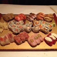 Photo prise au Sushi Seki UES par Danny L. le4/18/2013