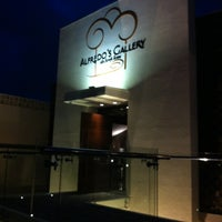 Foto tirada no(a) Alfredo's Gallery por HELENI HARUMI K. em 11/29/2012