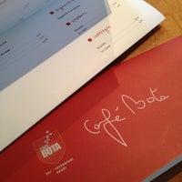 Photo prise au Café Bota par Edouard M. le12/20/2012
