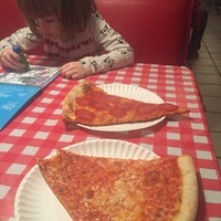 Photo taken at Mulberry Street Pizzeria by Filmester on 1/26/2017