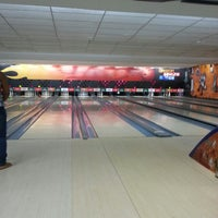 Photo taken at Amazon Bowling by Natália R. on 5/10/2013