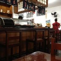 Foto tirada no(a) Kamakura Sushi por Diego F. em 12/15/2012