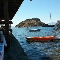 10/7/2013 tarihinde aryaziyaretçi tarafından Nazmi Restaurant'de çekilen fotoğraf