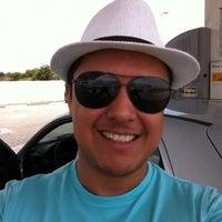 Photo taken at Posto Shell by Eduardo Henrique C. on 12/17/2012