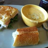 Das Foto wurde bei Panera Bread von Amanda B. am 12/27/2012 aufgenommen