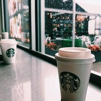 Photo taken at Starbucks by M7M on 8/7/2017