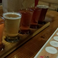 Photo taken at Portland Cider House by Samlee G. on 12/24/2016