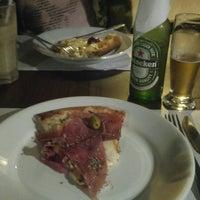 Photo taken at Mascarino Pizza Bar by Fernanda E. on 8/10/2016