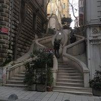 2/6/2013 tarihinde Cüneyt O.ziyaretçi tarafından Kamondo Merdivenleri'de çekilen fotoğraf