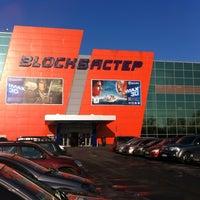 Снимок сделан в РЦ «Блокбастер» пользователем Юрий В. 1/2/2013