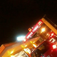 Foto tirada no(a) McDonald's por Pricilla O. em 4/6/2013