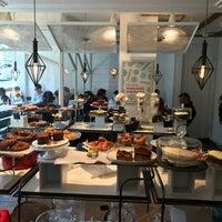 2/18/2018 tarihinde Dilara Ö.ziyaretçi tarafından Grandma Artisan Bakery Cafe'de çekilen fotoğraf