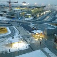 Photo taken at Courtyard Warsaw Airport by Edgar H. on 2/17/2013