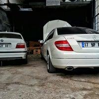 Photo taken at Hakan Mercedes-Bmw Tamir ve Bakım Servisi by Ali Nail Ş. on 10/21/2015