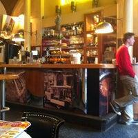 รูปภาพถ่ายที่ Café Daniel Moser โดย Neri💕 เมื่อ 5/26/2013