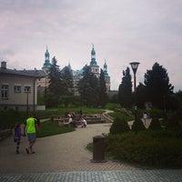 Photo taken at Plac Artystów by Mateusz Amĸðcz B. on 8/14/2014