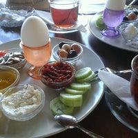 3/10/2013 tarihinde Feyza K.ziyaretçi tarafından Seyir Cafe'de çekilen fotoğraf