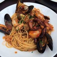 รูปภาพถ่ายที่ Tuscany โดย Annie N. เมื่อ 8/16/2014