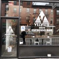Foto tomada en Velvette Brew por Paul M. el 3/4/2018
