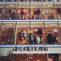 Photo taken at Forever 21 by Hung H. on 10/20/2012