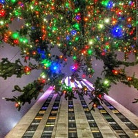 Photo taken at 10 Rockefeller Plaza by Paul S. on 12/25/2014
