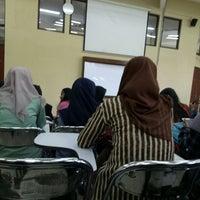 Photo taken at Fakultas Hukum by Nabilla C. on 2/20/2017