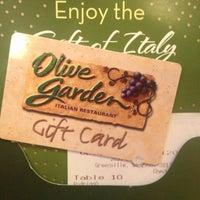 Photo taken at Olive Garden by Caroline T R. on 4/28/2013