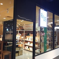 Photo taken at 8/05/d47 design travel store by Liftildapeak W. on 8/13/2017