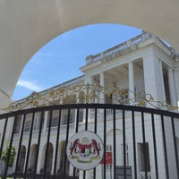 Photo taken at Mahkamah Tinggi Ipoh (High Court) by Liftildapeak W. on 5/3/2015