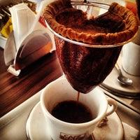 Photo taken at Café Raiz by Marcelo C. on 8/30/2013