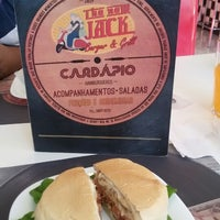 Foto tirada no(a) The New Jack Burguer & Grill por Brunna M. em 4/13/2015