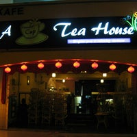 Photo prise au Tea House Cafe par Burak A. le4/3/2014