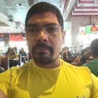 Photo taken at TGI Fridays - Mall Multiplaza by Juanjo R. on 4/5/2014