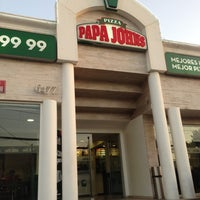 Photo taken at Papa John's by Alejandro P. on 2/3/2013