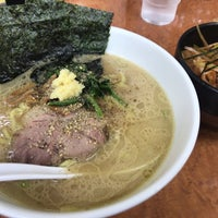 Photo taken at 横浜ラーメン味濱家 by こゆき 毎. on 6/1/2018