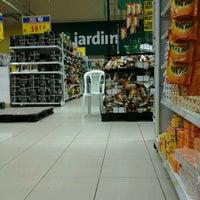 Foto tirada no(a) Hiper Bompreço por Cosme D. em 12/28/2012