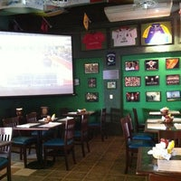 Foto tomada en Legends Sports Bar & Grill por Jaime N. el 1/22/2013