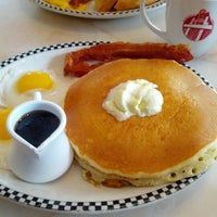 Photo taken at Silver Diner by Sheryl T. on 1/12/2013