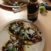 3/16/2013 tarihinde Antonio A.ziyaretçi tarafından Tacos Xotepingo'de çekilen fotoğraf