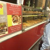 Photo prise au Pizza Capri par Kim H. le3/22/2013