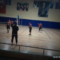 Photo taken at Corlu Kapali Spor Salonu by Özlem K. on 4/2/2018