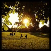5/27/2013 tarihinde Per A.ziyaretçi tarafından Clissold Park'de çekilen fotoğraf