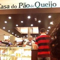 Photo taken at Casa do Pão de Queijo by Simone H. on 4/7/2013