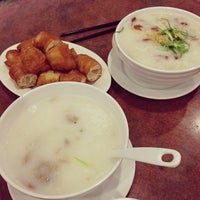 Photo taken at Congee Noodle House 粥麵館 by Jenn C. on 12/16/2012