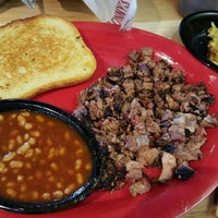 Photo taken at Sonny's BBQ by Malcolm D. on 5/14/2016