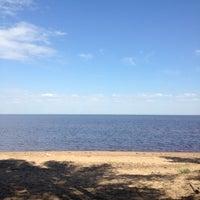 Photo taken at Пляж Финского Залива by Инесса Ш. on 5/28/2013