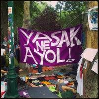 6/13/2013 tarihinde Furkan Alp A.ziyaretçi tarafından Taksim Gezi Parkı'de çekilen fotoğraf