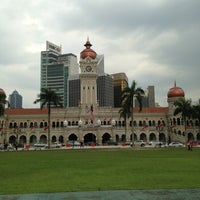 Photo taken at Bangunan Sultan Abdul Samad by Yong Wee J. on 1/17/2013